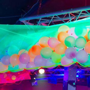 luftballons schwarzlicht