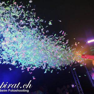glow konfetti